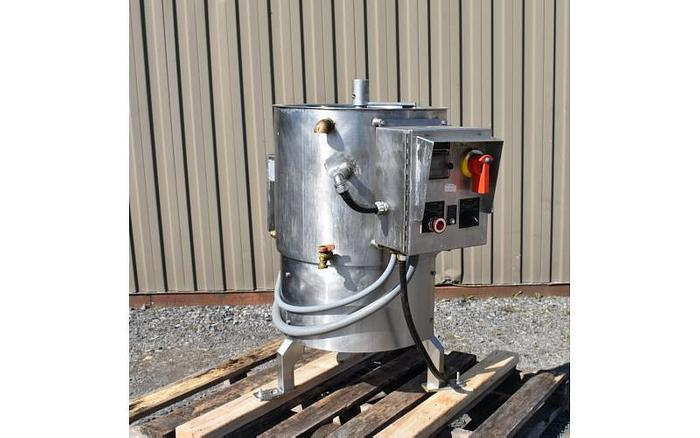 USED 18 GALLON JACKETED TANK, STAINLESS STEEL, WITH SCRAPE AGITATION & ELECTRICALLY HEATED JACKET
