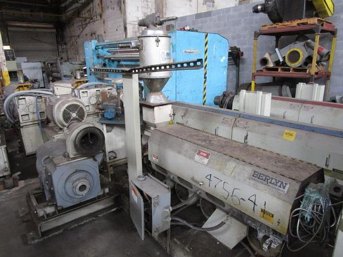 """Used 2 1/2"""" Berlyn LB Extruder with panel and drivestock # 4756-041"""