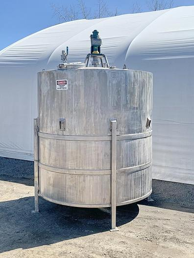 Used USED 3000 GALLON STAINLESS STEEL MIX TANK, WITH LIGHTNIN AIR MIXER
