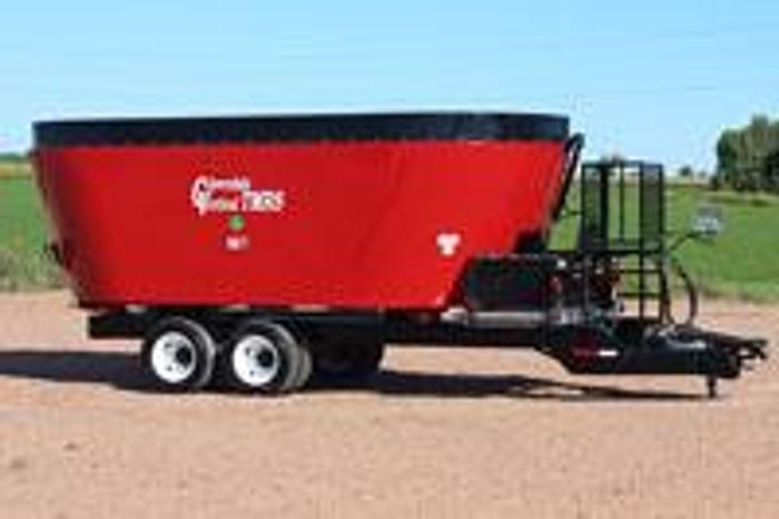 New - products Cloverdale Twin Auger Trailer Mixer