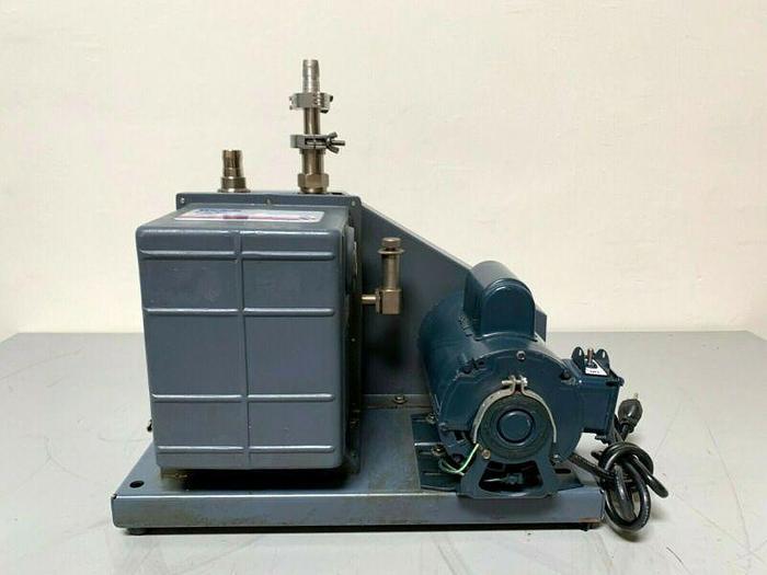 Used Welch 1402 DuoSeal Rotary Vane Vacuum Pump
