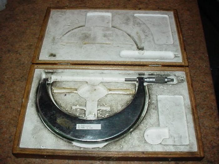 "OD MICROMETER, No Name, 7-8"", In Wooden Box"