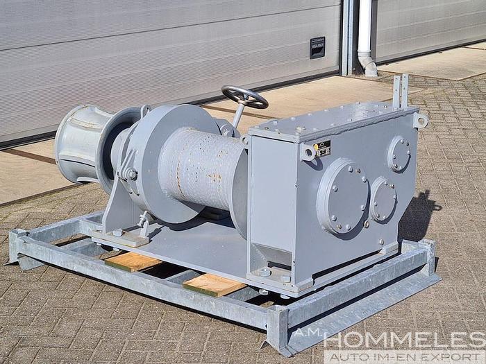 Used Parey mooring winch