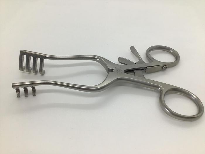 Retractor Self Retaining Weitlander 3 by 4 Teeth Blunt 135mm (5-1/2in)