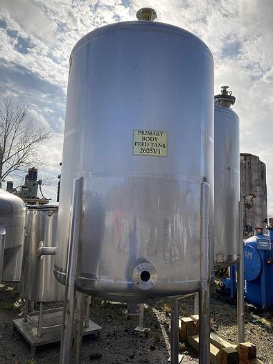 Used 1000 GALLON WALKER VERTICAL MIX TANK – S/S (#9673)