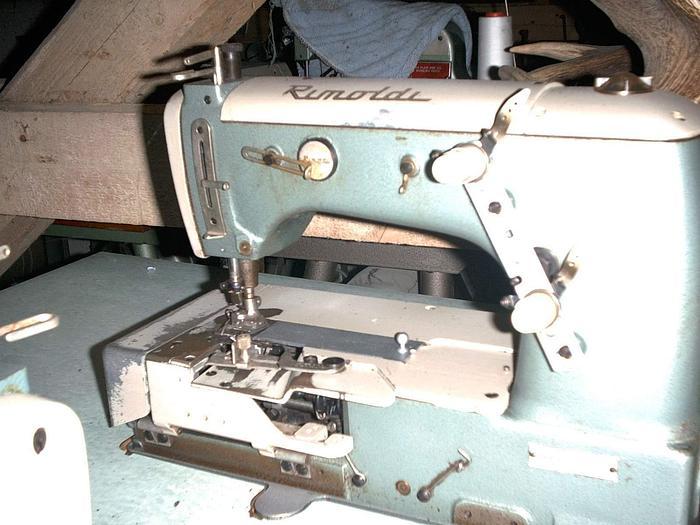 Gebraucht Doppelkettenstichmaschine RIMOLDI  Kl. 164-16-02 1.0