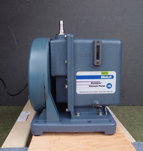 Used Welch 1405B-01 DUOSEAL Vaccum Pump Max Vacuum: 200 mTorr 3.2 cfm 1/2 HP (2467A)