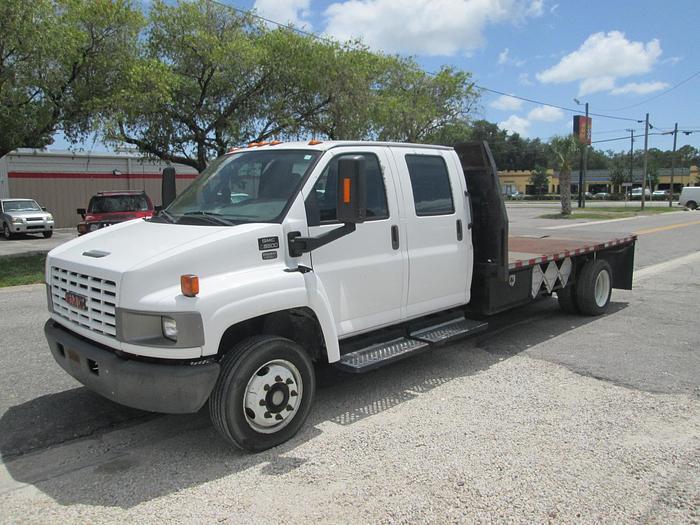 2006 GMC C5500 Crew Cab FlatBed Truck