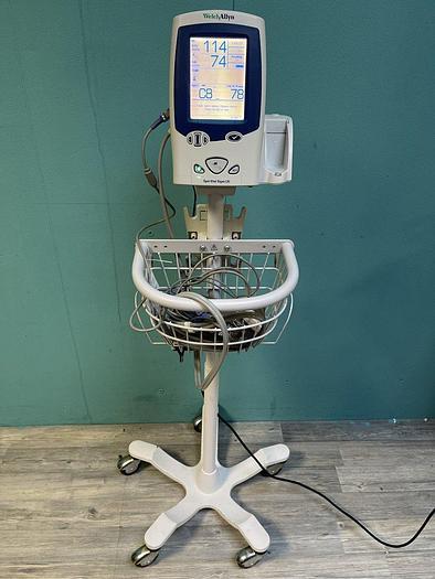 Used Welch Allyn Spot Vital Signs LXi Patientenmonitor auf Trolley mit Fingersensor, Manschette