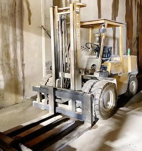 Used 1991 Komatsu 10,000 lb Forklift