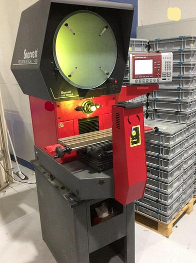 Starrett Precision Optical HB 400 Profile Projector