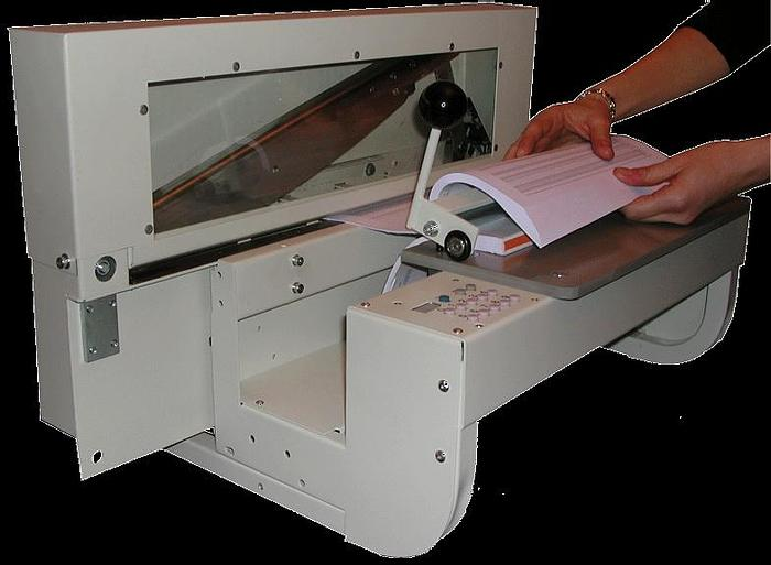 Onglematic 7 Electric Tab Cutter