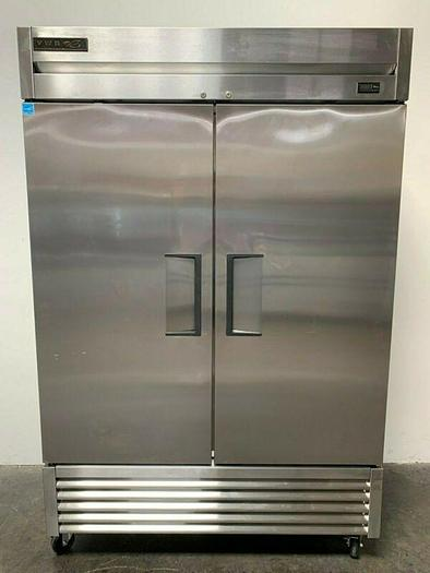 Used True T-49-HC Two-Door Commercial Refrigerator w/ Hydrocarbon refrigerant Ft 115V