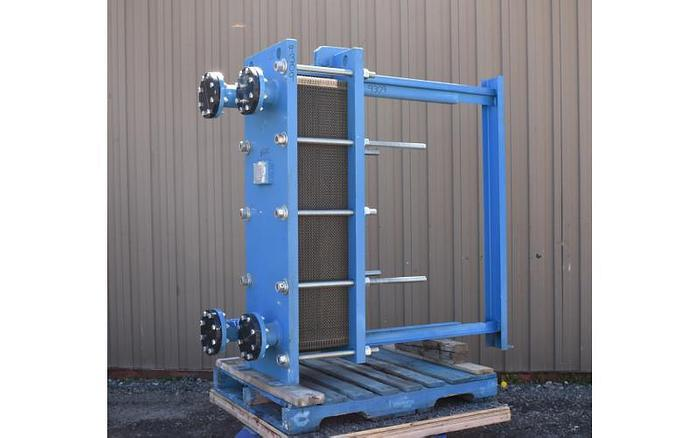 Used USED HEAT EXCHANGER, PLATE, 396 SQ. FT., STAINLESS STEEL