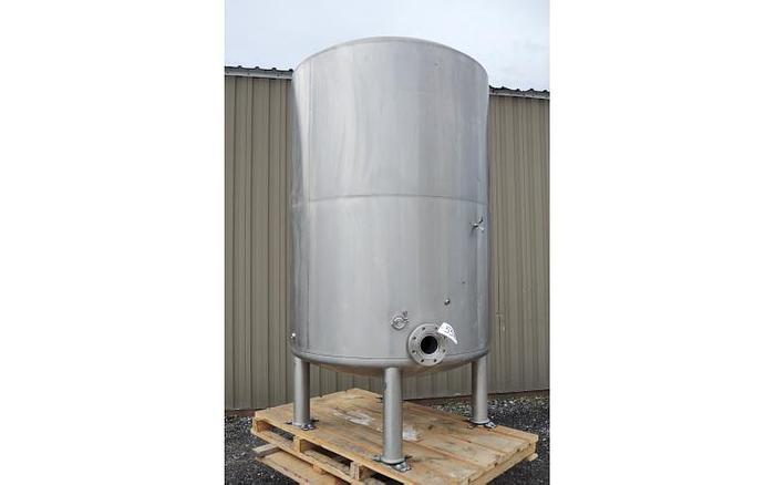 USED 700 GALLON TANK, STAINLESS STEEL, INSULATED