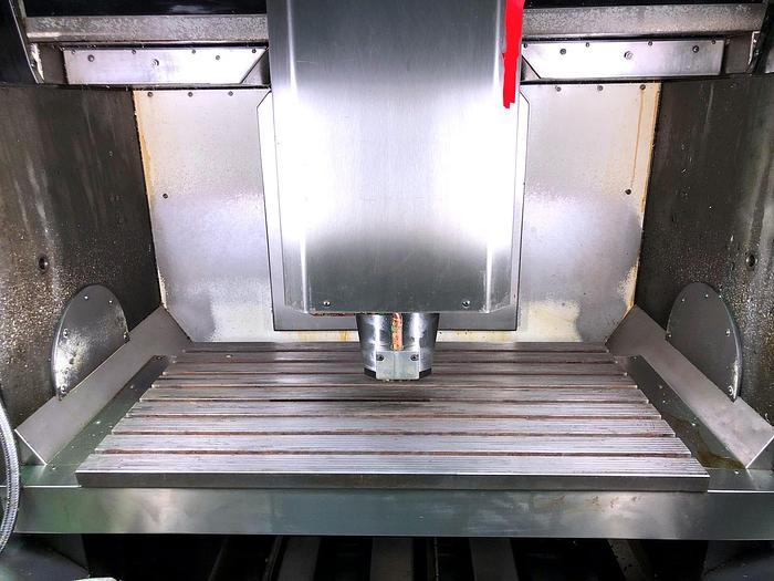 1999 CNC Bearbeitungszentrum - Vertikal HERMLE C 800 V