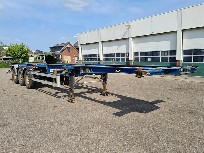Used 2007 Fruehauf T39C18 Container chassis 40ft. / 30ft. / 20ft. / 2x20ft. / 20ft. in the middle