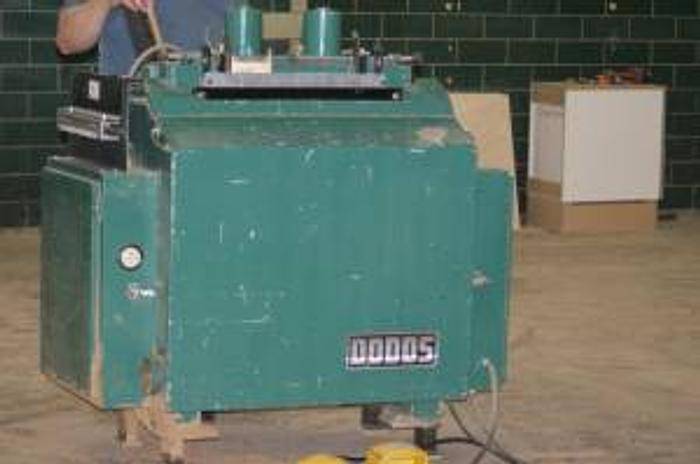 Used Dodds SE-15 Dovetail Machine