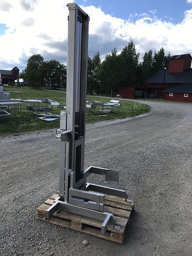 Använd Pelarlyft 110cm luftdriven - för skänkvagnar