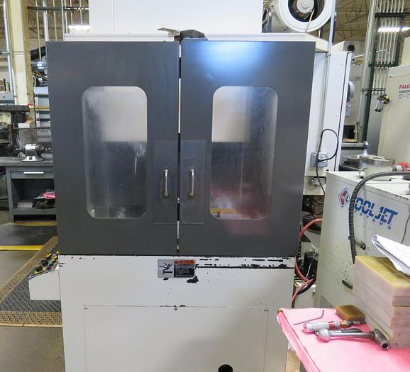 2006 Fanuc  ROBODRILL T21IEL with Pallet Changer
