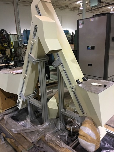 SDA SYSTEMS ELEVATOR PARTS CONVEYOR WITH RUBBER PADDLE BELT