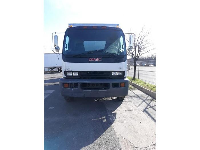 *2717*2007 GMC T7500 BOX TRUCK 20FT 25950 GVW