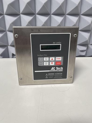 Lenze Ac Tech MC series M1110SE Ac Drive 1HP 0.75kW 120/240V