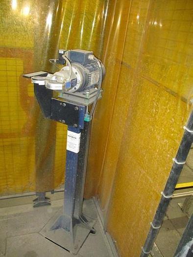 ABB IRBP C-1000 SPOT WELDING CELL WITH TWO ABB IRB 6640 180/2.55 ROBOTS & IRC 5 CONTROLLERS & ARO SERVO SPOT WELD GUNS