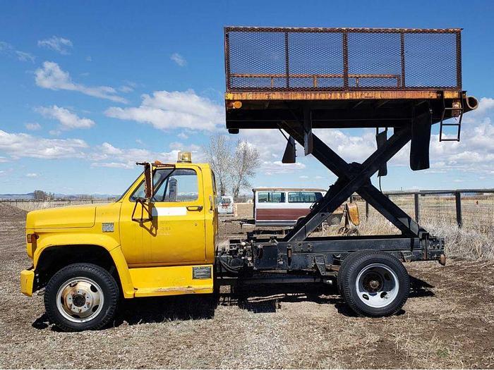 Used Chevy Truck w/ Scissor Hoist