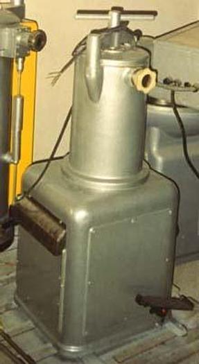 Nadziewarka ROVER, tłokowa o napędzie hydraulicznym, poj. 30 l