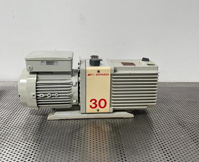 Used Edwards 30 E2M30 Rotary Vane Vacuum Pump 220/240V