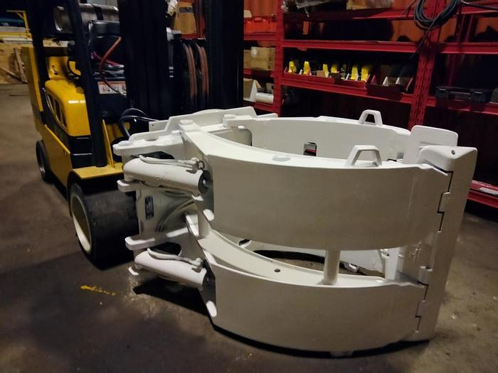 """Used 72"""" CASCADE PAPER ROLL CLAMP MODEL 90F-RCP-530 MFG. 2013"""