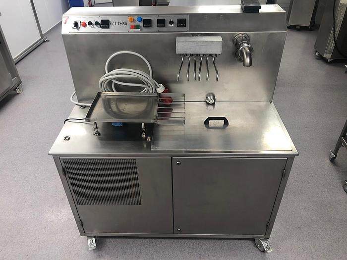 CHOCOLATE TEMPERING / MOULDING MACHINE