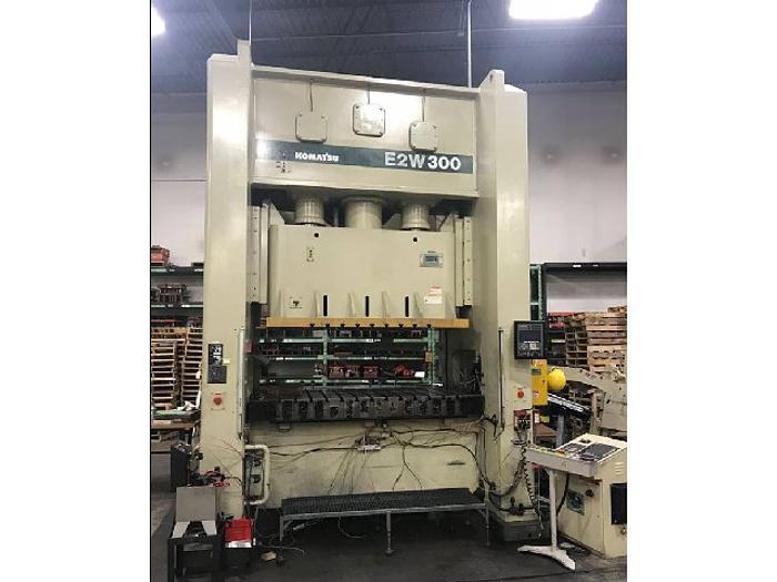 """330 ton Komatsu 94.5""""x47.2"""" Stamping Press"""