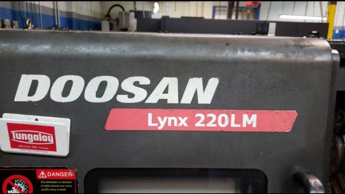 2008 Doosan LYNX 220LMA
