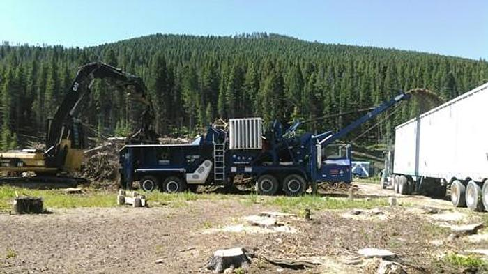 Used 2003 Peterson Pacific 2400B Horizontal Grinder