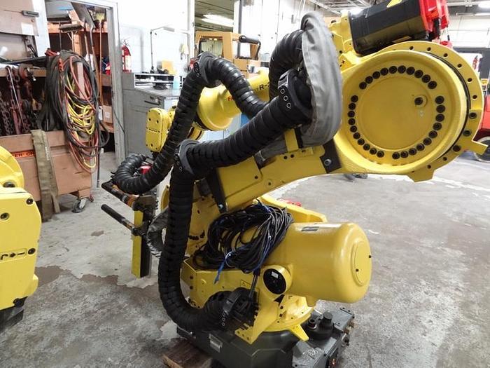 Used FANUC R2000iB/165F FOUNDRY PRO 6 AXIS CNC ROBOT R-30iA CONTR