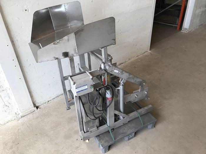 Använd Skänkvagnstipp med tratt 110cm