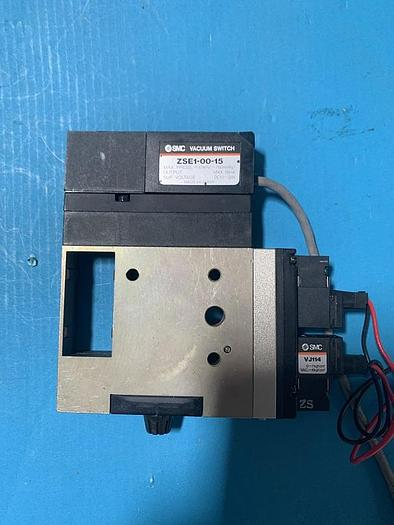 Used smc vacuum ejector and vacuum switch  zm073n ;zse1-00-15