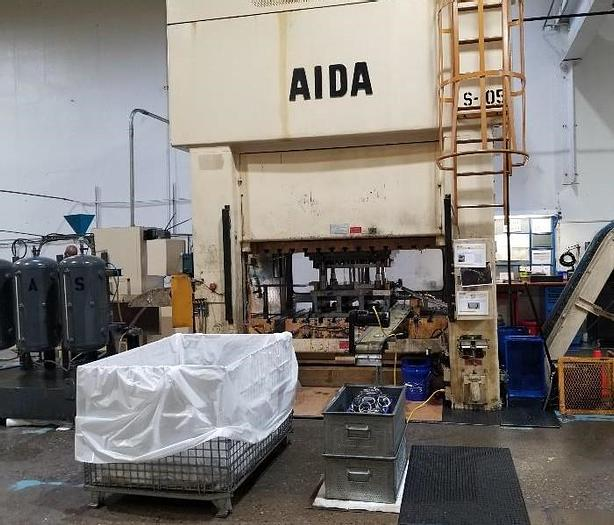 "330 ton AIDA 84.65"" x 39.37"" Stamping Press"