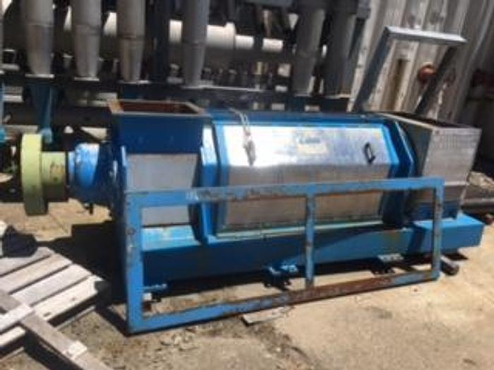 Used 130 TPD COMER SCREW PRESS AND GEARBOX MFG. 1997
