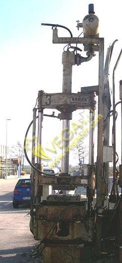 Used Hydraulic press LAKER mod. PC 50