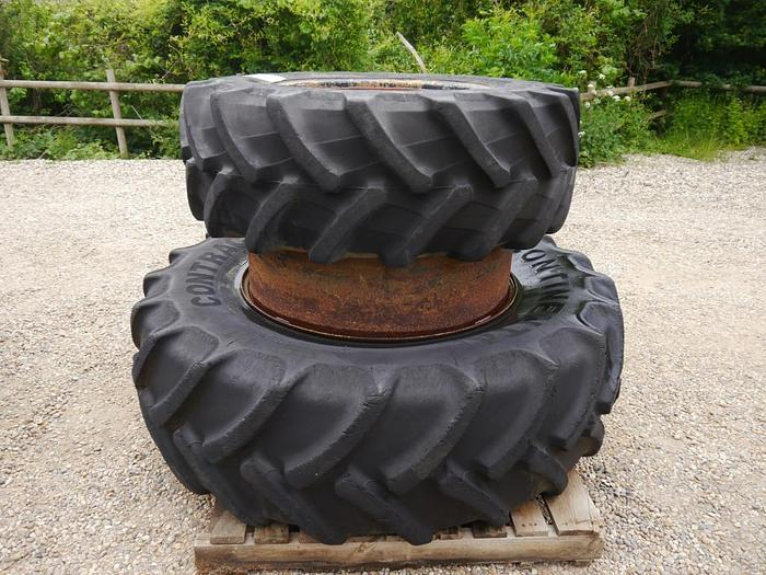 Dual Wheels and Tyres