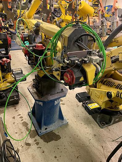 2011 FANUC ARCMATE 120iC/10L 6 AXIS CNC MIG WELDING ROBOT WITH R30iA CONTROLLER (SEVERAL AVAILABLE)