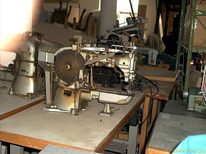 Gebraucht Knopfannähmaschine DÜRKOPP  Kl. 566-175-16 2+4-loch, Ösenknöpfe