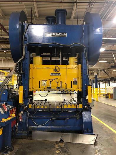 Used 250 TON CLEARING STRAIGHT SIDE PRESS