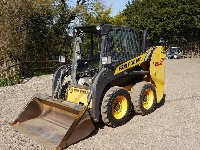 Used New Holland L213 Skidsteer Loader