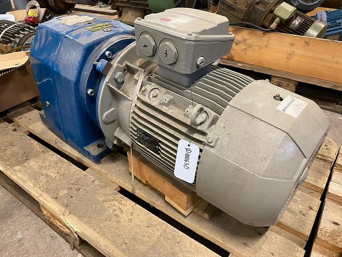 Used LONNE NEW Electric motor with reducer 11 kW