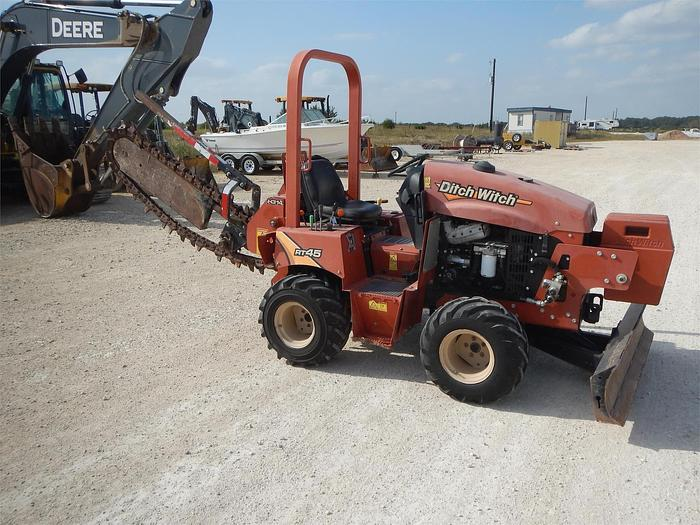 Used 2015 DITCH WITCH RT45