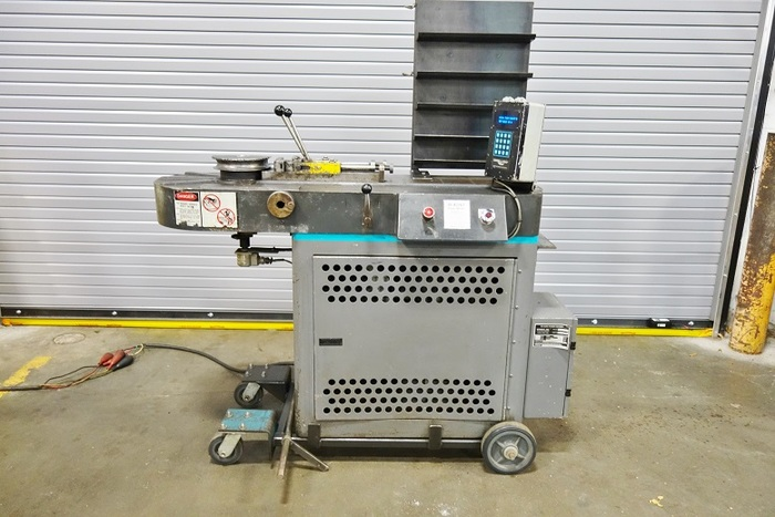 Diacro No.6 Hydraulic Bender /with Programmable Control.